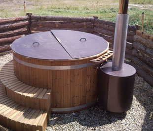 Finnish sauna - outdoor tub